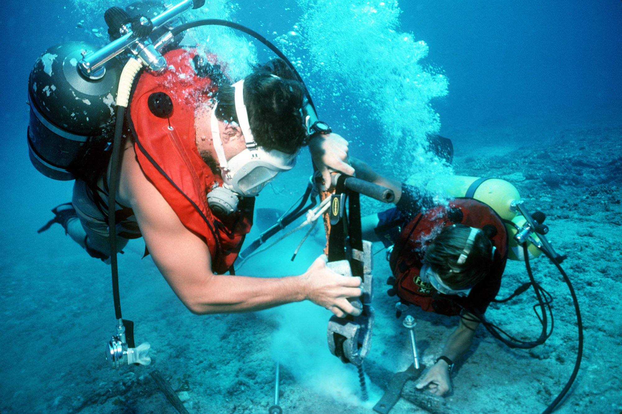 U N  group sees risk to underwater cables | Arête News