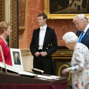 Queen tells Trump of multilateral virtues