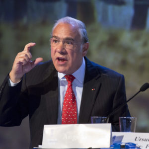OECD chief praises green political 'muscle'