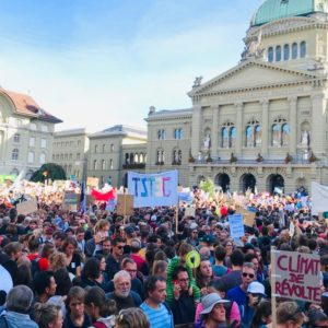 Swiss clamor for U.N.-led climate action
